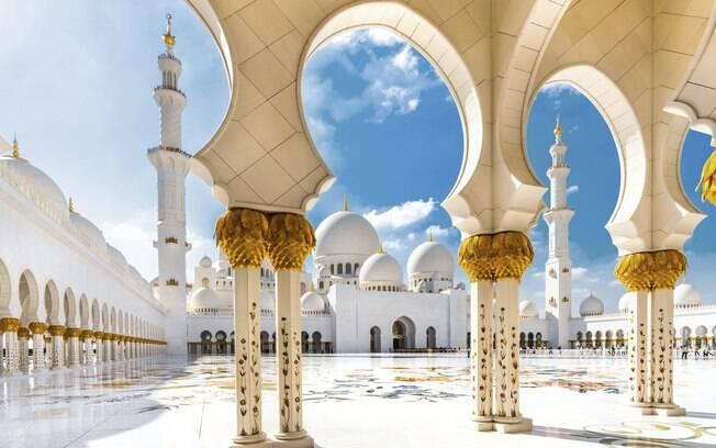 Abu Dhabi está no roteiro de cruzeiro nos Emirados Árabes e atrai por sua cultura e passeios