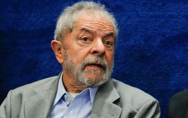 Defesa de Lula nega que o ex-presidente tenha praticado os crimes imputados; Moro continua com os processos