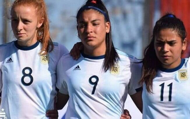 Rocio Correa (camisa 9) é jogadora das seleções de base da Argentina