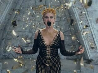 Charlize Theron: pouco tempo em cena, mas o suficiente para roubar o filme