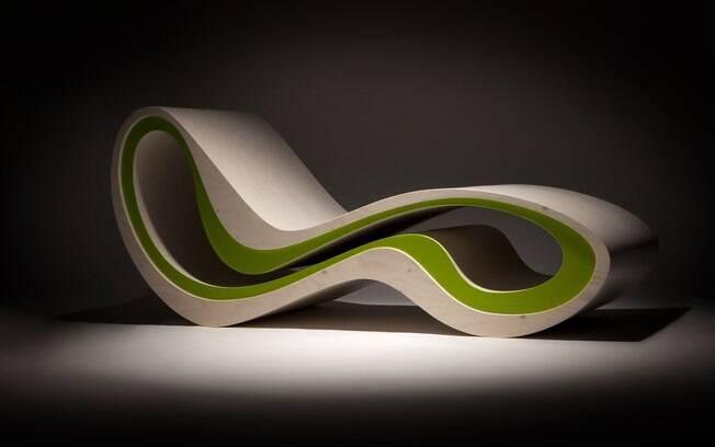 Espreguiçadeira com formas orgânicas criada por Karim Hashid