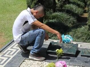 Túmulo de Escobar no cemitério Jardins Montesacro, em Medellín