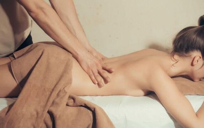 A 25ª posição do desafio pode ser extremamente relaxante e sensual quando combinada com uma massagem tântrica