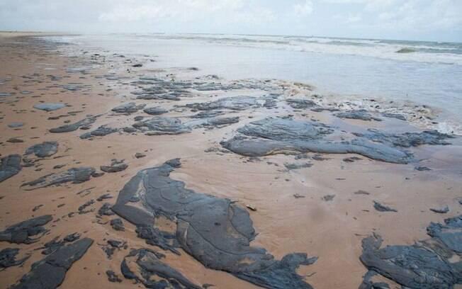 Manchas de óleo estão nos nove estados do Nordeste