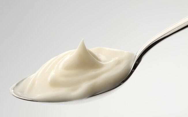 Maionese: uma colher de sopa contém 126mg de sódio