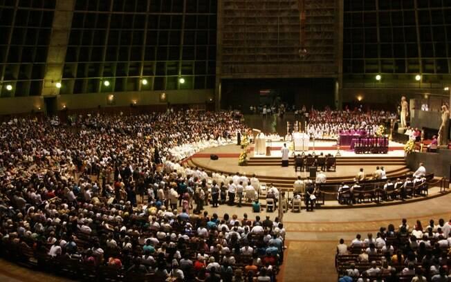 No Rio, além do tapete, o arcebispo do Rio de Janeiro, Dom Orani Tempesta, celebrou uma missa na Catedral Metropolitana. Foto: Lucas Rezende/Futura Press