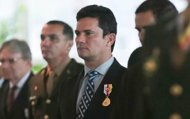Sérgio Moro foi homenageado com comenda da Ordem do Mérito Judiciário Militar na manhã desta quinta-feira