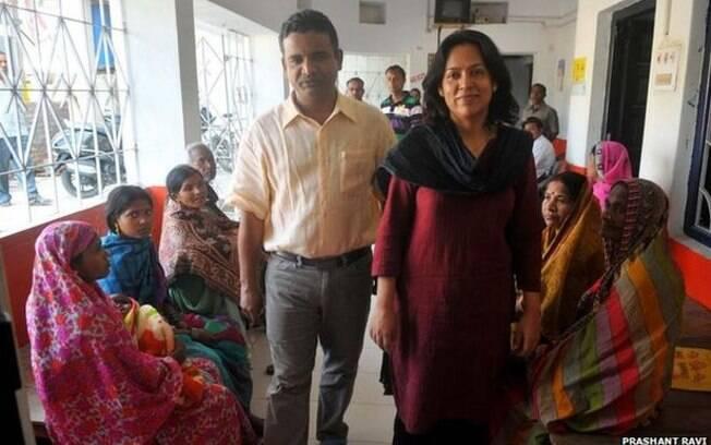 Após trabalhar no sistema privado, Atul Varma e Jayashree Shekhar decidiram construir um hospital e oferecer tratamento a preços acessíveis