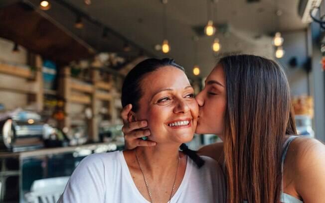 No almoço pode ser difícil não encontrar filas nos restaurantes, mas você já pensou em levar sua mãe para jantar?