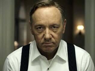 Kevin Spacey vive o maquiavélico presidente Frank Underwood na série