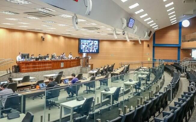 Câmara restringe mais a circulação de pessoas no prédio do Legislativo