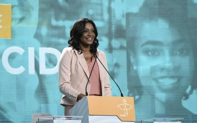 Joyce Ribeiro foi a mediadora do debate da TV Aparecida