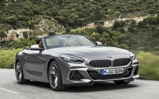 BMW Z4 honra a tradição da marca alemã ao ser equipado com um dos melhores do mundo,  de seis cilindros, turbinado
