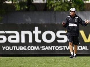 Enderson Moreira assume com a missão de dar um novo ânimo aos Meninos da Vila