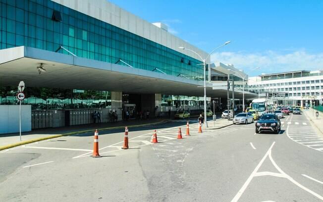O que não fazer no Rio de Janeiro: quando for sair do aeroporto, é melhor evitar os táxis para economizar