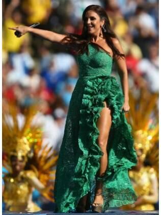 Ivete Sangalo e o look 'alface' da Copa