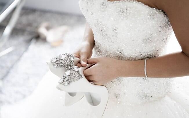 A jornada em busca do vestido de noiva ideal é única para cada mulher e deve começar meses antes da cerimônia