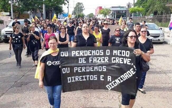 Grupo foi agredido enquanto entrava na sede do governo para encontrar o governador Eduardo Leite.