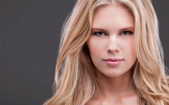 Chrissy Blair também trabalhou como modelo na  Europa
