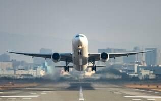 Gases, sexo e nudez: quatro histórias bizarras que já aconteceram em um avião
