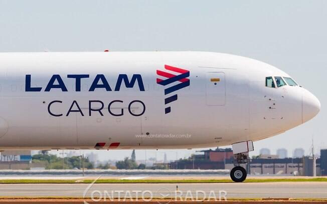 LATAM Cargo deve transportar 684 mil doses da CoronaVac só hoje
