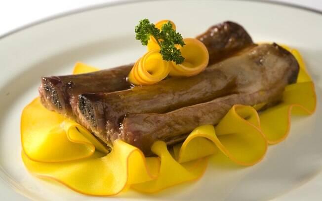 Foto da receita Costelinha de porco ao molho barbecue pronta.