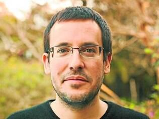 Convidado.  O escritor Antonio Prata participa de encontro promovido pelo Instituto Moreira Salles