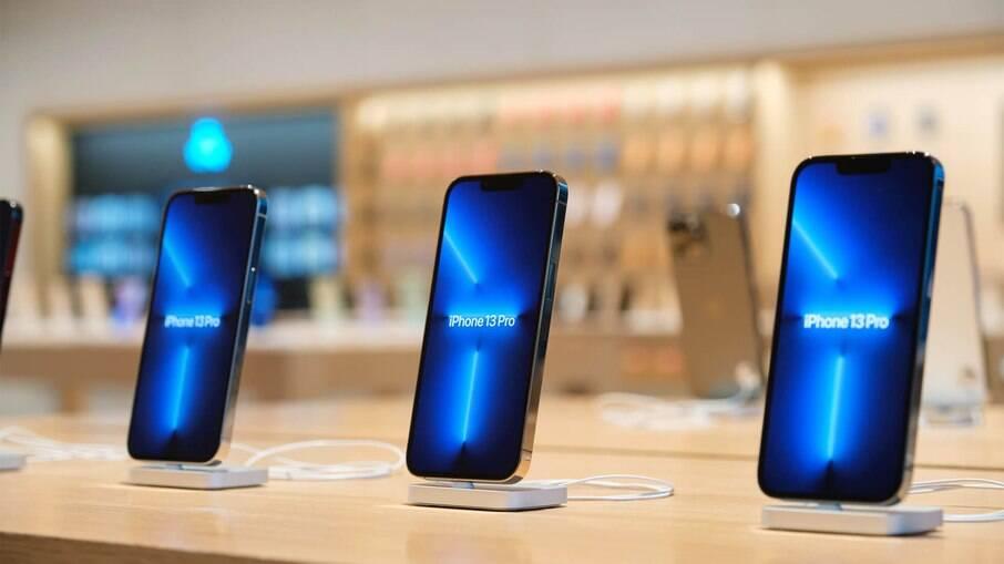 Início das vendas do iPhone 13 em Pequim