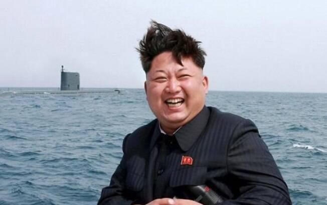 Kim Jong-un, líder norte-coreano, já posicionou um outro míssil para um novo lançamento na costa do país