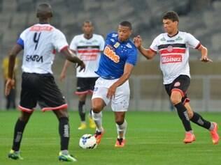 Julio Baptista assumiu a criação do Cruzeiro, ao lado de Alisson