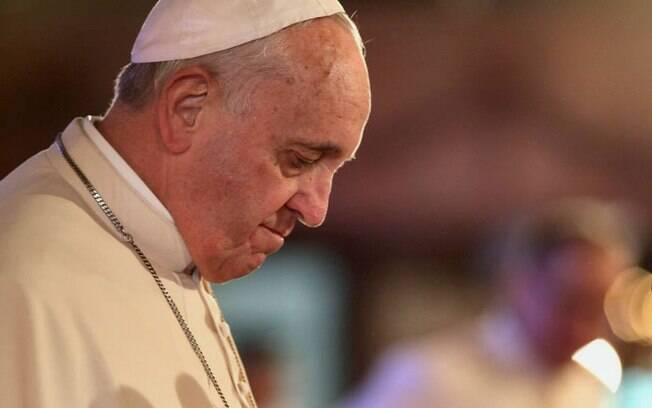 Para o papa Francisco, o aborto está 'na moda' porque é normal que essa seja uma das primeiras hipóteses em certos casos