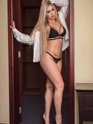 Jéssica Rodrigues é personal trainer e atual namorada de Latino