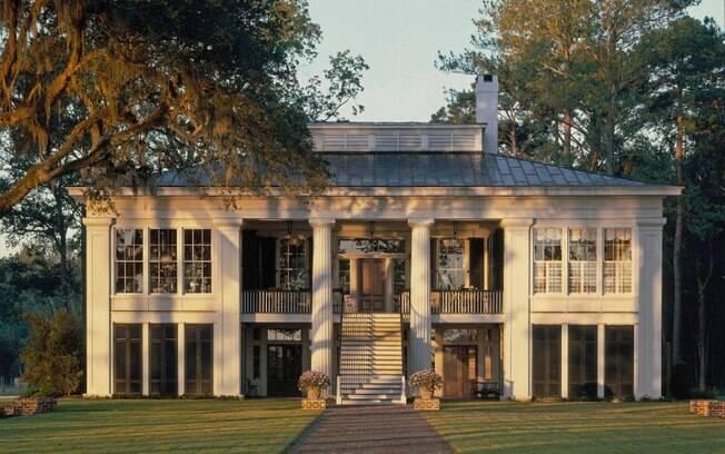 A propriedade de Ben Affleck tem várias construções, além de piscina e estacionamento para barcos