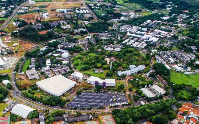 Unicamp oferece 2.589 vagas em 69 cursos de graduação pelo vestibular tradicional e outras 645 vagas pelo Enem