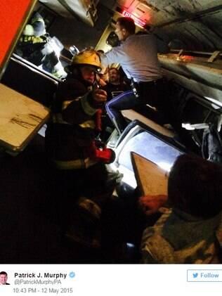 Patrick Murphy compartilhou uma foto do resgate em sua conta no twitter