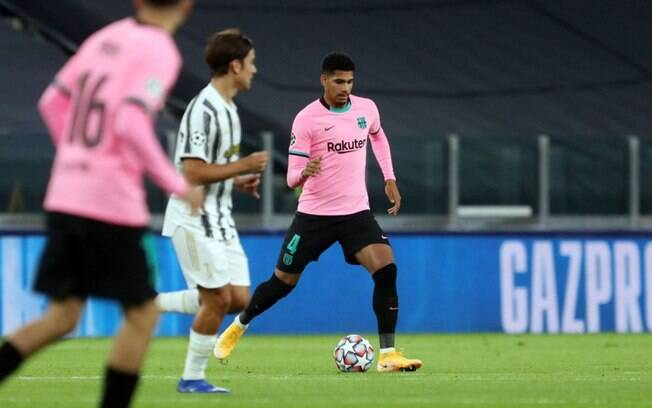 Barcelona ganha reforo na defesa para encarar a Juventus