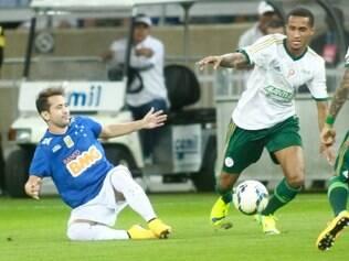 Cruzeiro não conseguiu fazer uma boa atuação diante de sua torcida e apenas empatou