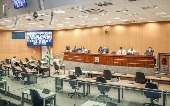 Câmara de Campinas vota teste obrigatório em grupos prioritários