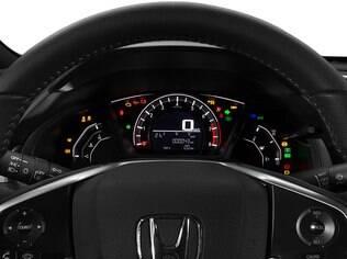 Honda Civic Sport não tem tela TFT no cluster e comandos mais simples no volante
