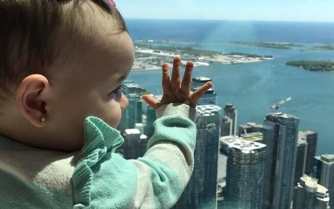 Nathalia passou a dar dicas de viagens para quem tem criança pequena e que conhecer diferentes lugares