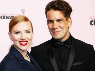 Scarlett Johansson se casou em segredo com o jornalista francês Romain Dauriac em setembro