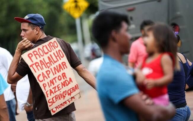 Imigrantes venezuelanos procuram emprego no Brasil