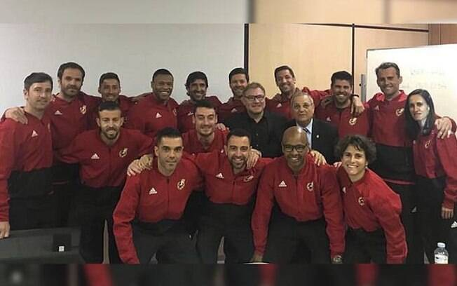 Julio Baptista e outras estrelas do futebol participaram do curso da Uefa