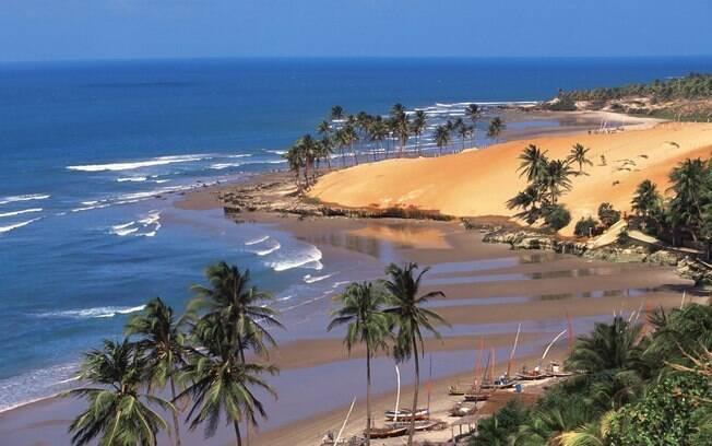 Fortaleza tem belas praias e é diversão garantida no Carnaval