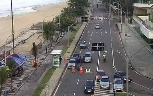 Avenida Niemeyer foi fechada durante operação da Polícia Militar no Vidigal
