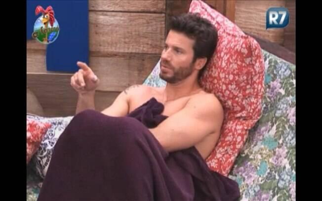 Marlon acha que Joana se unirá a Gui, caso o peão se salve da Roça