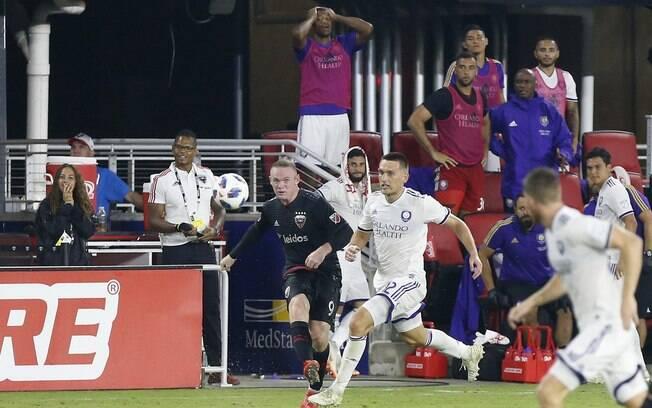 O lançamento de Rooney que decidiu a vitória do DC United no último minuto
