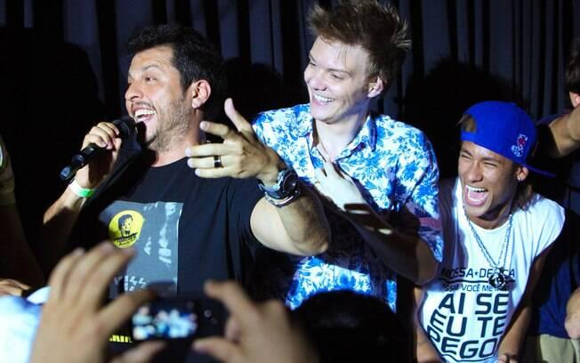 Neymar, Michel Teló e Wellington Muniz: festa em Jurerê Internacional