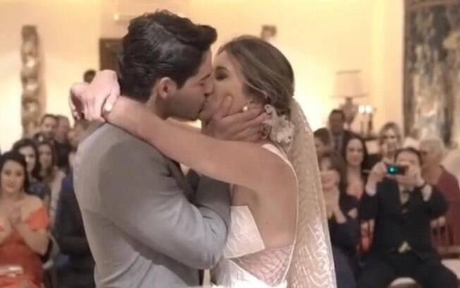 Rebeca Abravanel e Alexandre Pato se casam em São Paulo