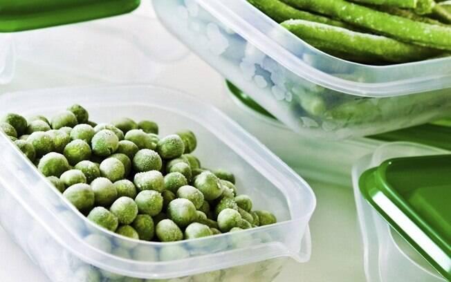 Congelar a comidadeixa o o dia a dia mais fácil e pode deixar a rotina organizada